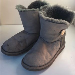❤️Used Ugg Bailey Button Gray boots sz 5 Awesome